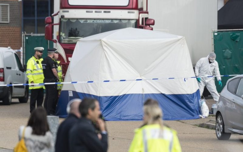 Embajada china en Reino Unido en contacto con la policía por los 39 muertos de camión
