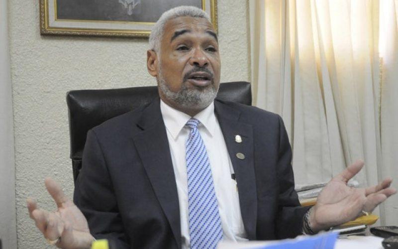 Radhamés Camacho niega ordenara a militares apresar a joven que lo habría agredido verbalmente en estadio Quisqueya