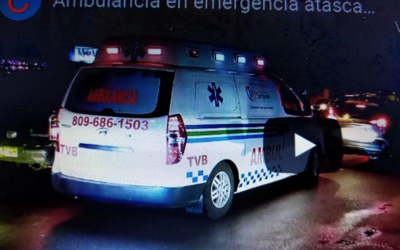 (Video) Hasta las ambulancias en emergencia se atascan en tapones de la Capital Dominicana
