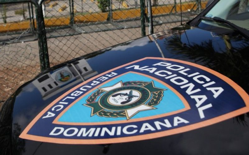 Una mujer que su ex pareja intentó raptar junto a sus hijos, rescatados por la Policía en Santo Domingo Este
