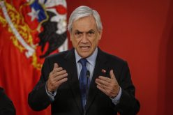 Pese a crisis con protestas por dos meses y un bajo nivel de aprobación de su gobierno, presidente chileno Sebastián Piñera descarta renuncia