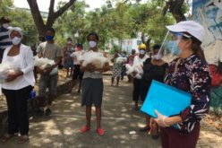 FundoVida entrega mascarillas y raciones de comida cruda