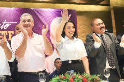El liderazgo femenino de Jennifer Marchena con Camisas Mangas Cortas a favor candidatura Gonzalo Castillo valorado por +maspolitica en Instagram