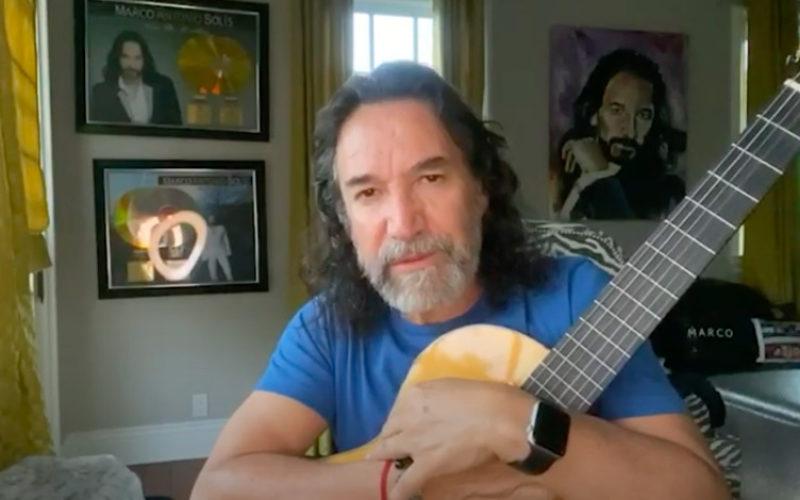 (Video) Marco Antonio Solís conecta con su público y da «Gracias a la vida»