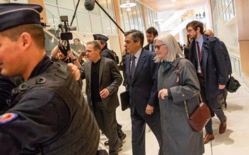 Ex primer ministro Francia sentenciado a 5 años de prisión por malversación fondos públicos al crear empleo ficticio para esposa