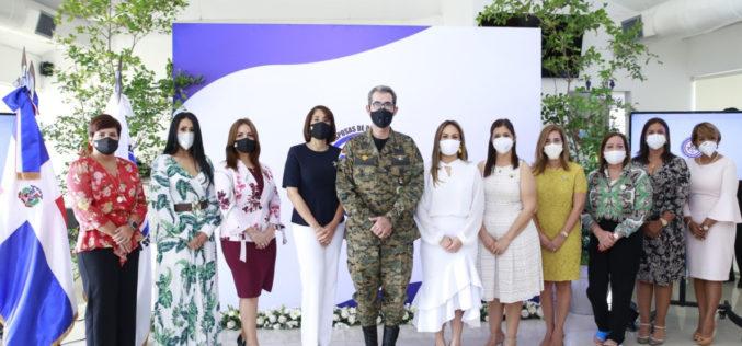 Nueva presidenta de la Asociación de Esposas de Oficiales de las Fuerzas Armadas: Wendy Santos de Díaz