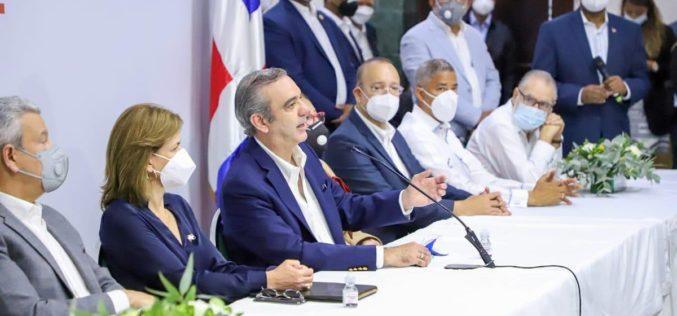 Los 6 diputados del PRM en Santiago se pusieron «a una» para darle un «plantón» al presidente Luis Abinader