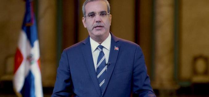 Presidente Abinader propondrá al Congreso reducción del 50 % de asignación a partidos políticos; donará su salario para una causa social
