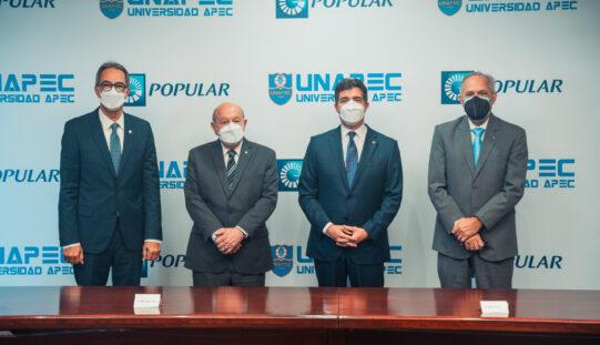 Banco Popular amplía su programa de becas a estudiantes de APEC