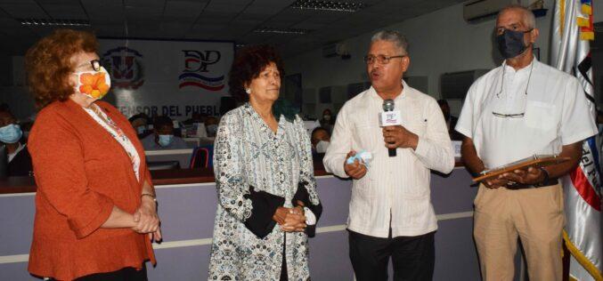 Zoila Martínez Guante, Defensora del Pueblo, reconcida por ambientalistas