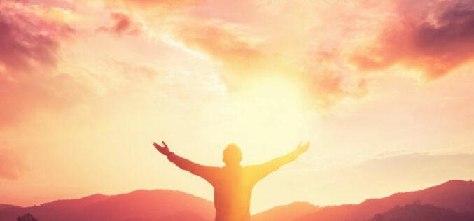 Volvámonos a Dios, agradezcamos su misericordia y adorémosle