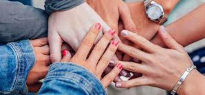 Mujeres, ser solidarias entre nosotras fortalece derechos humanos
